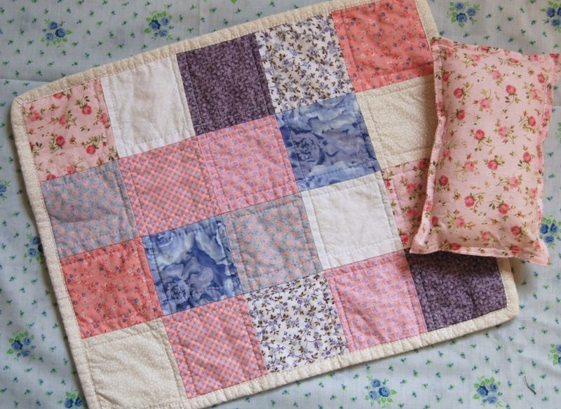 Giveaway doll quilt